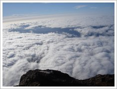 16 o mar de nuvens